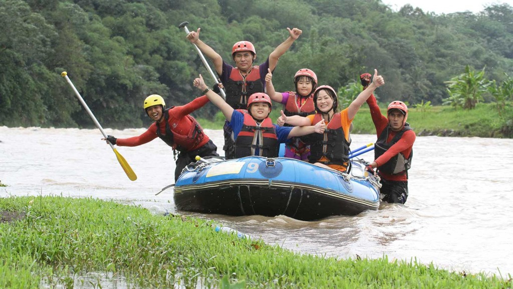 arung-jeram-anak-anak-fun-rafting-2