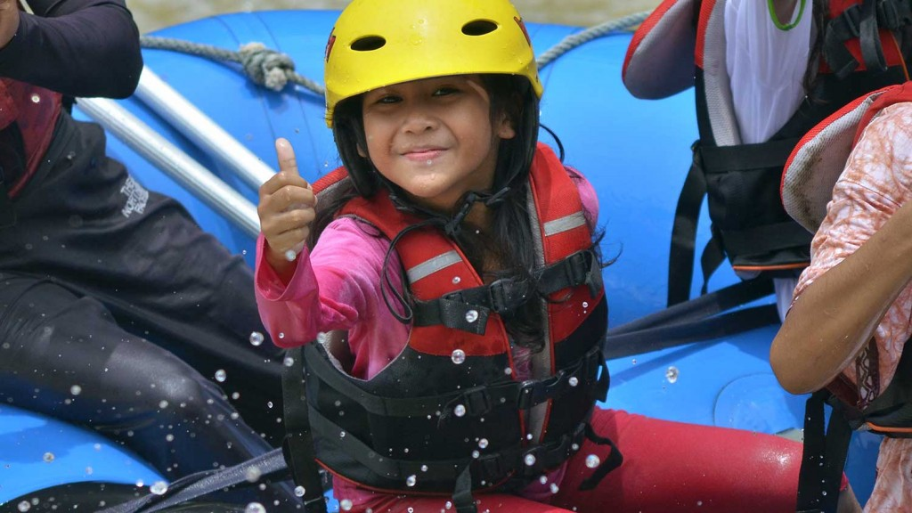 arung-jeram-anak-anak-fun-rafting-4