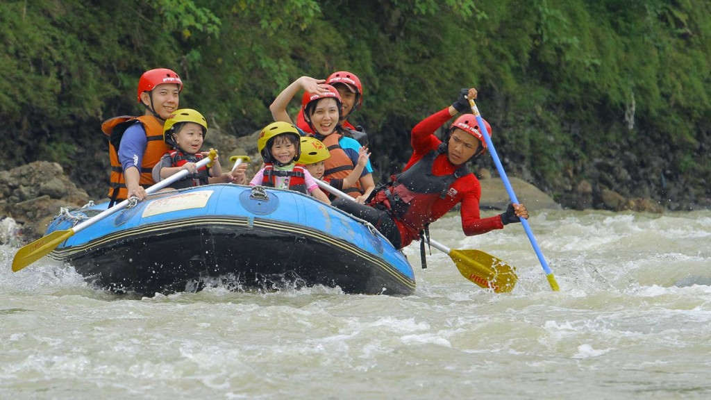 arung-jeram-anak-anak-fun-rafting-5