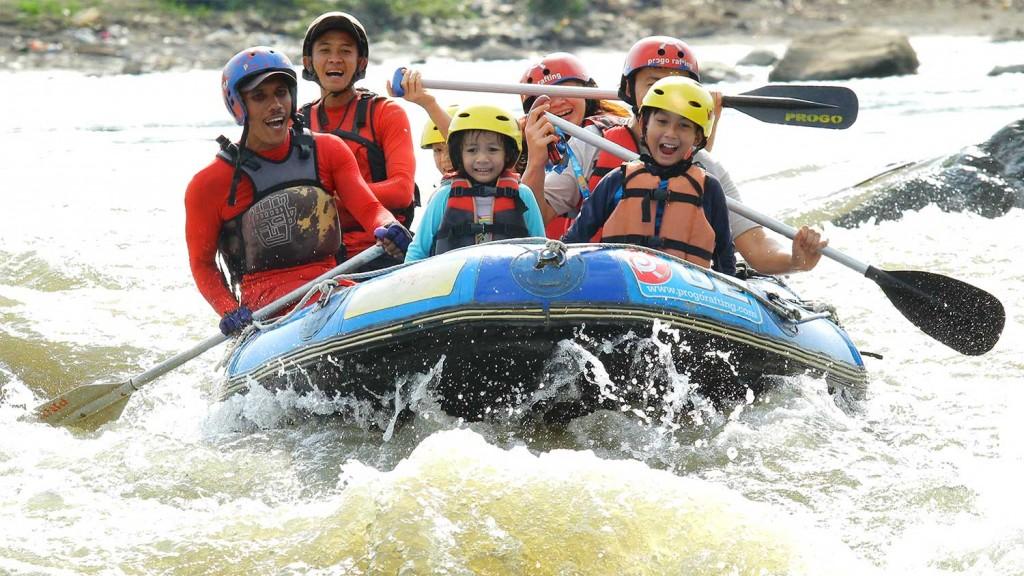 arung-jeram-anak-anak-fun-rafting-7