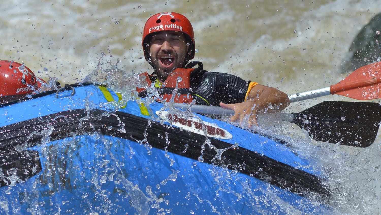 arung-jeram-magelang-progo-rafting