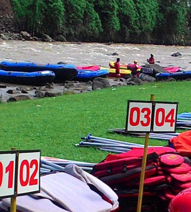 50 Perahu untuk menampung 250 peserta